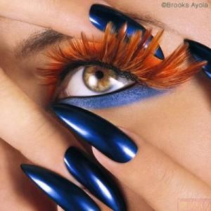 Синий дизайн ногтей и mace-up
