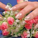 На фото свадебный маникюр ногтей