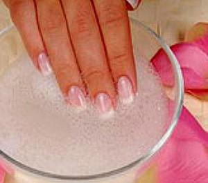 Запечатывание ногтей в домашних условиях - ванночка с морской солью фото | Запечатывание ногтей в домашних условиях - ванночка с морской солью