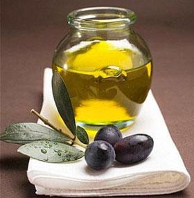 Недостаток витамина Е можно пополнить растительными маслами в вашем рационе