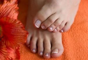 Ногти должны дышать - то предотвратит возможность появления вросших ногтей
