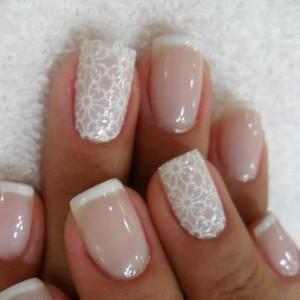 Короткие ногти квадратной формы становятся модными